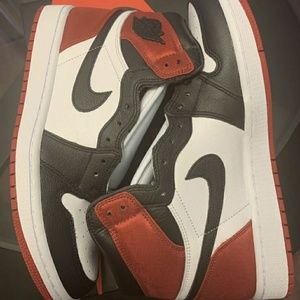 2019 Jordan 1 Retro High Satin Black Toe (W)